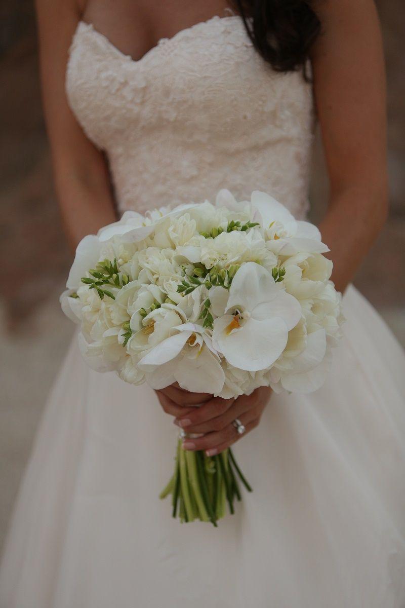 ramo de novia con orquídeas blancas